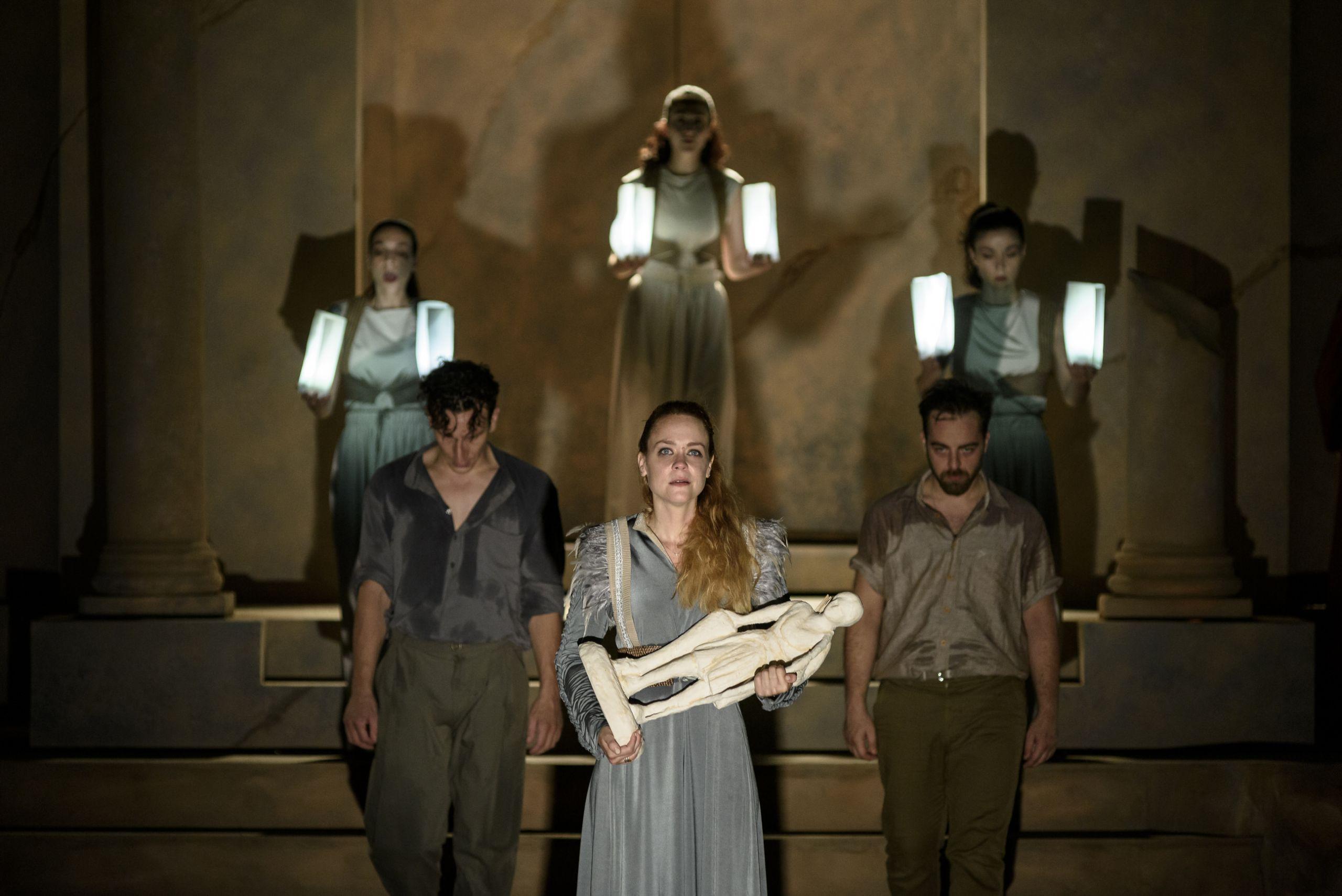 Ιφιγένεια η εν Ταύροις σε σκηνοθεσία Γιώργου Νανούρη στο Φεστιβάλ Κολωνού
