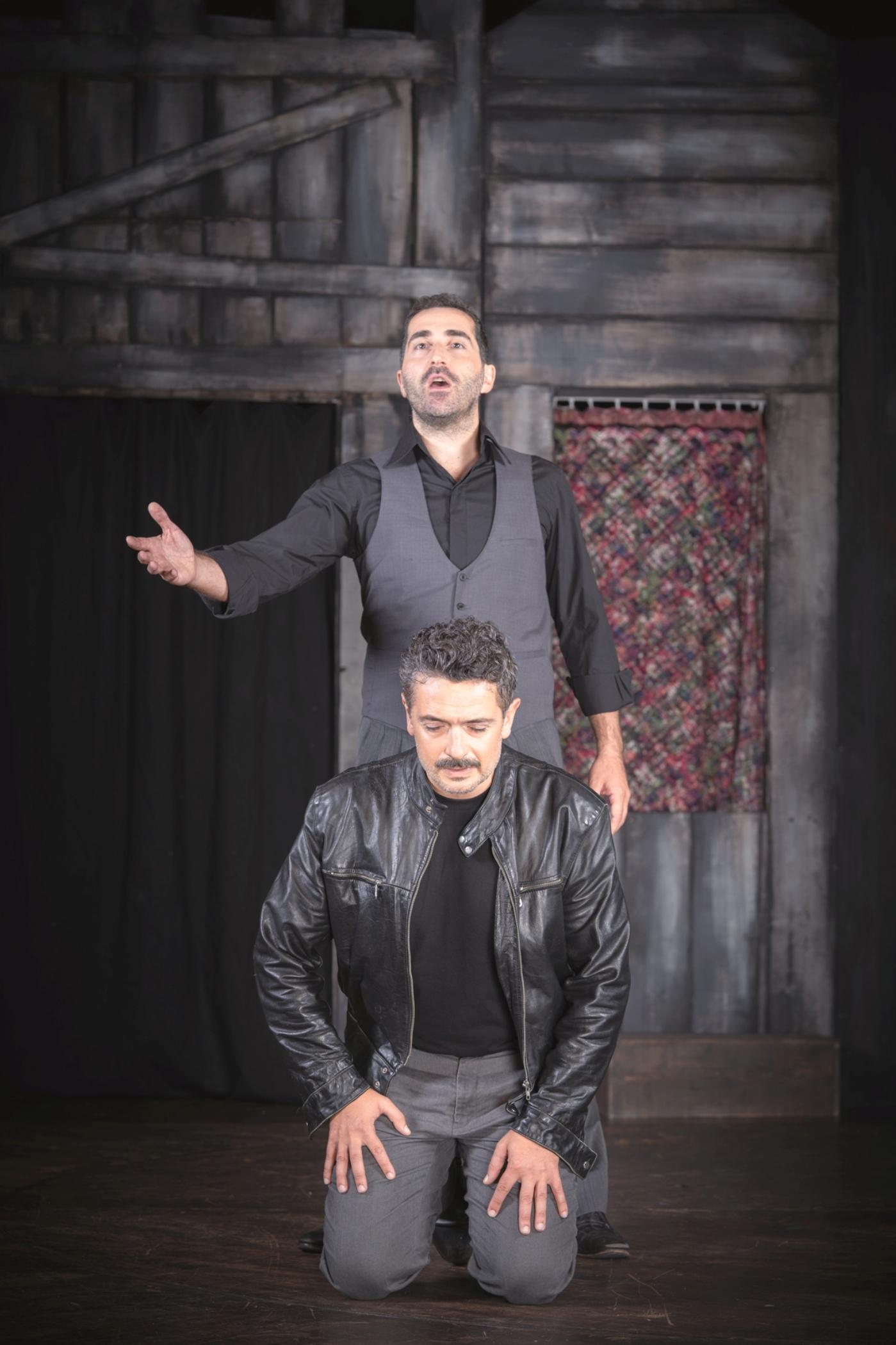 Συνοικία το Όνειρο: Μια παράσταση αφιερωμένη στον Μίκη Θεοδωράκη στο Γυάλινο Μουσικό Θέατρο