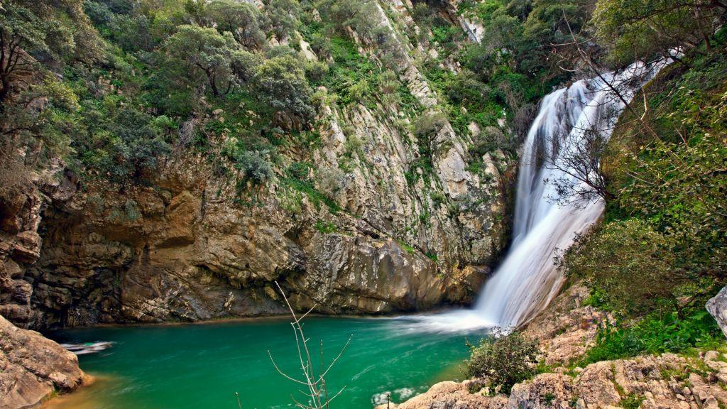 To Πολυλίμνιο ή αλλιώς η «Γαλάζια Λίμνη» της Μεσσηνίας (πηγή: Shutterstock)